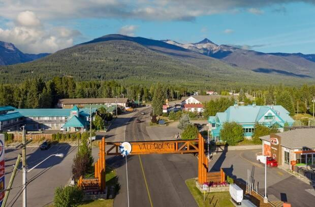 People living in Valemount, B.C., are now allowed to live in temporary structures such as recreational vehicles parked on residential lots within the village limits. (Submitted by Kelly Funk - image credit)