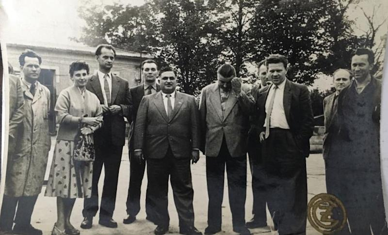 Rustom Irani (centre) with representatives from Jawa. Image courtesy: Boman Irani
