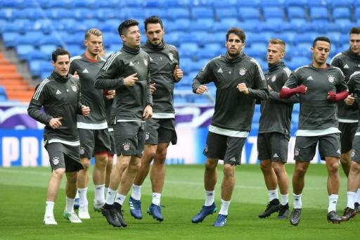 Bayern Munich's players take part in a training session at the Santiago Bernabeu Stadium in Madrid on April 30, 2018 on the eve of the UEFA Champions League semi-final second-leg against Real Madrid