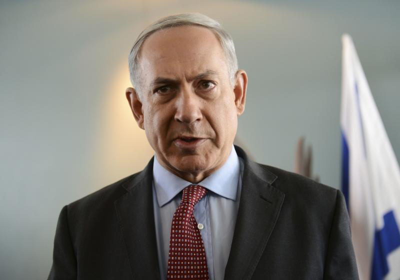 Israeli Prime Minister Netanyahu delivers statement to media after meeting U.S. Secretary of State Kerry near Tel Aviv
