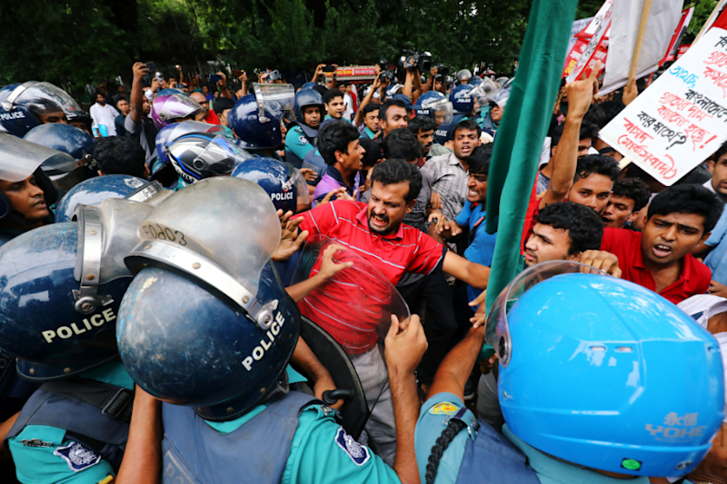 Students Stage Protests and Block Roads in Bangladesh After Student Killed for Criticising Govt