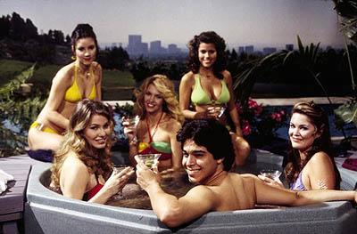 """Fez (Wilmer Valderrama, C) ends up in hot water with some beautiful ladies on the """"Kiss Of Death"""" episode of Fox's That 70s Show"""