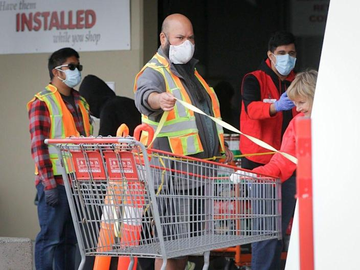 Costco's mask policy continues to infuriate some shoppers.