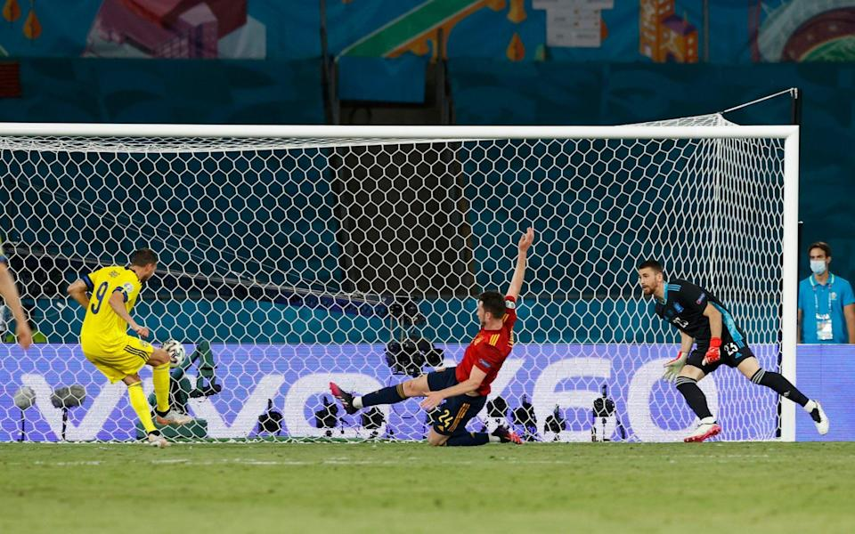 Marcus Berg with the miss of the tournament - it was the one good opportunity Sweden had to steal all the points in Seville - REUTERS