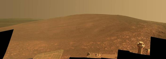 """The """"Murray Ridge"""" portion of the western rim of Endeavour Crater on Mars (NASA)"""