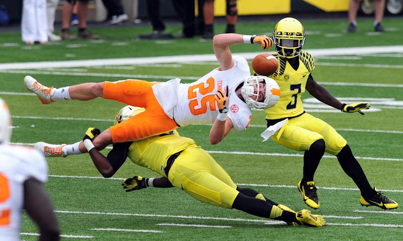 No. 2 Oregon's defense holds its own