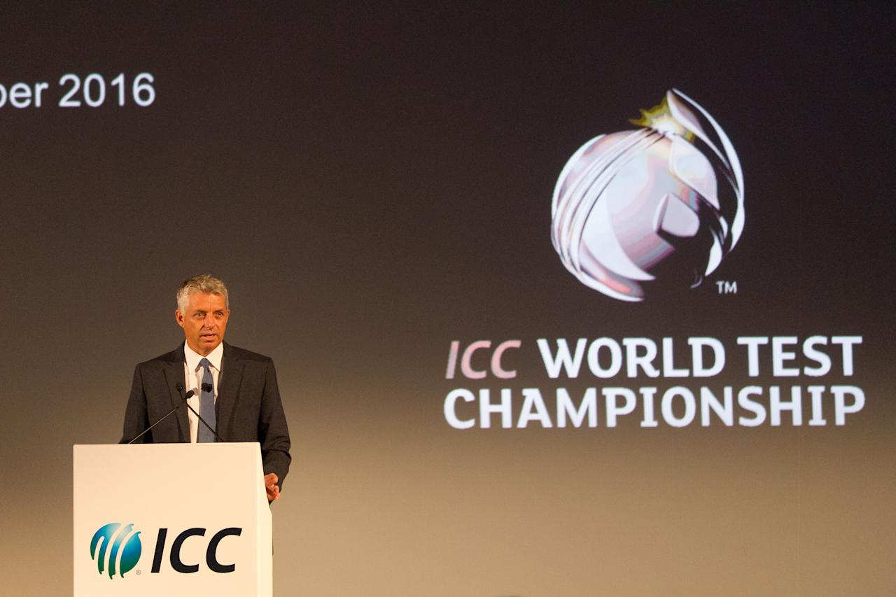 ABU DHABI, UNITED ARAB EMIRATES - OCTOBER 12:  David Richardson, CEO of the ICC speaks to the media about the ICC World Test Championship on October 12, 2013 in Abu Dhabi, United Arab Emirates.  (Photo by Neville Hopwood-ICC/ICC via Getty Images)
