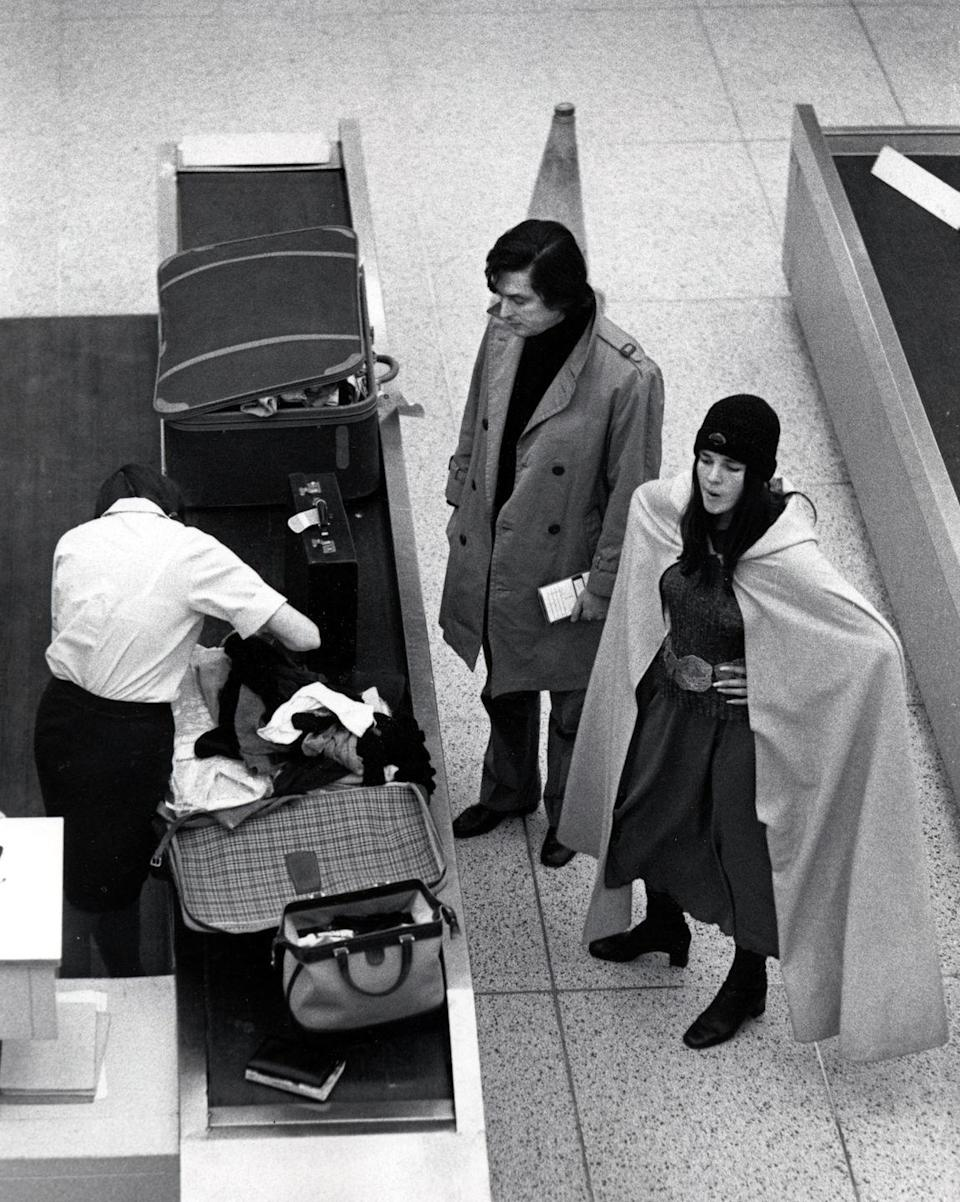 <p>In 1971, Galella spotted Ali MacGraw and Robert Evans at New York's JFK airport, as they arrived from Paris. The movie star and the producer were married from 1969 to 1973. </p>