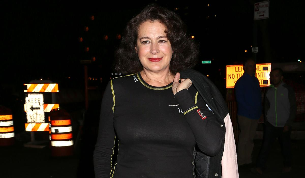 <p>Young says she was fired after a week of shooting for rejecting director/star Warren Beatty's advances, he says it was because her performance as Tess Trueheart wasn't maternal enough. Glenne Headley got the role instead.</p>