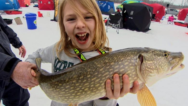 'It's a spiritual thing': Ice fishing drawing families, young people, Manitoba enthusiasts say
