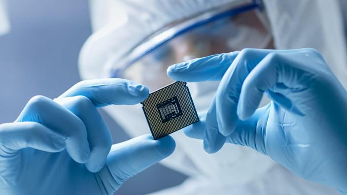 AMD's $35 Billion Proposal to Xilinx Is Less About NVIDIA, More About Taking On Intel