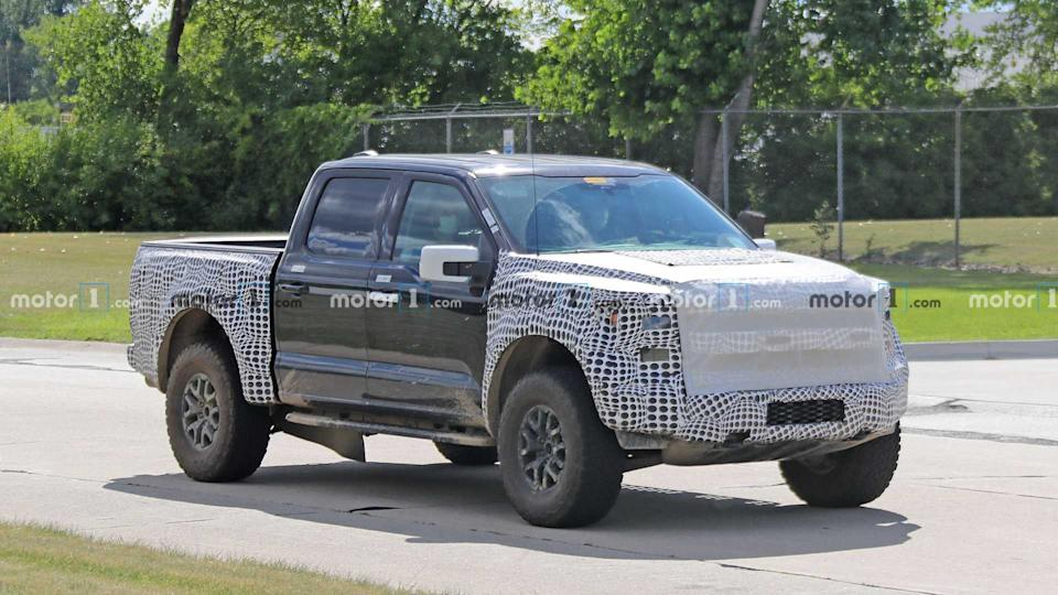 2021 Ford F-150 Raptor Spied On Video With A Muffled V8 Rumble