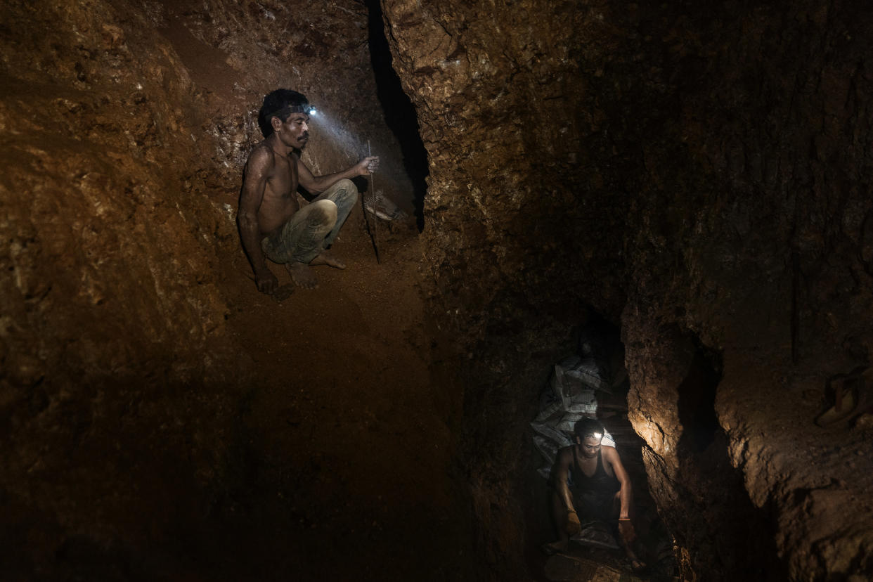 Miners on the Indonesian island of Sumbawa, near Taliwang, on March 3, 2019. (Adam Dean/The New York Times)