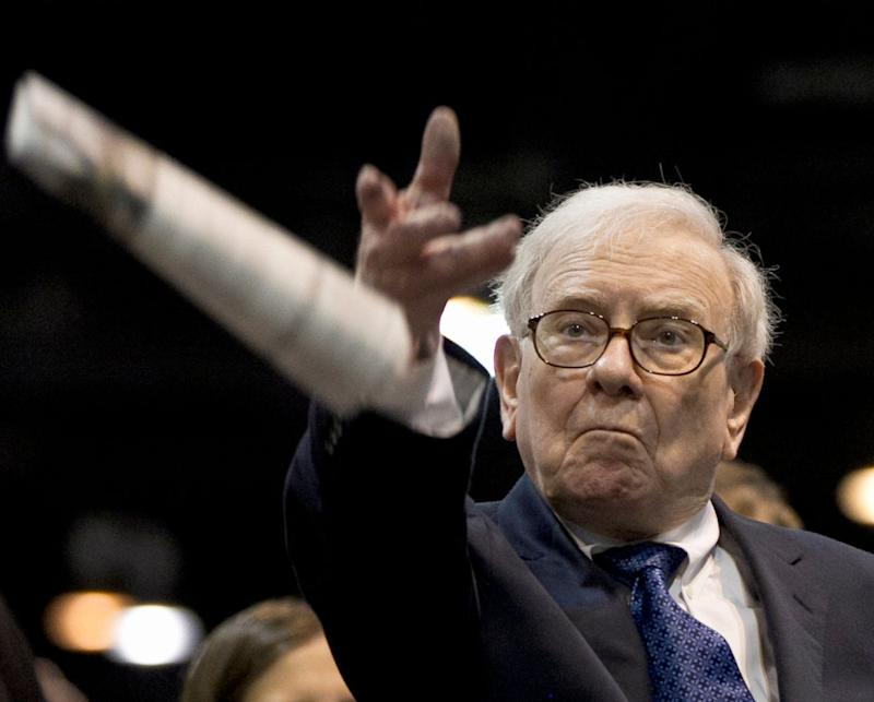 Berkshire Hathaway's bottom line hit by falling stocks, Kraft Heinz