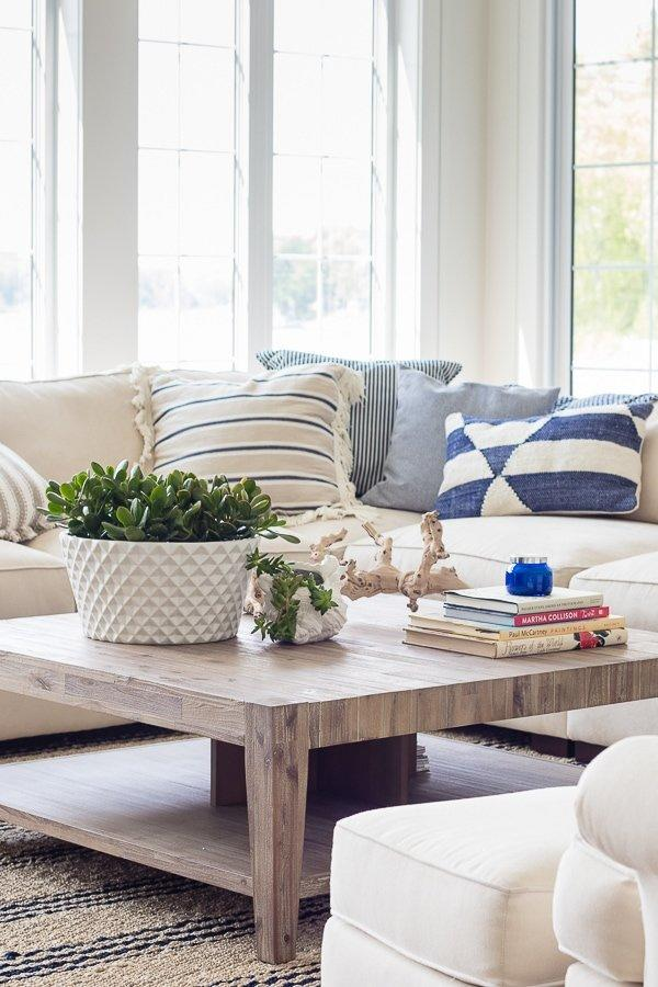 Just because the Hamptons style is all about class doesn't mean a little comfort is out of the question! Just take these oversized throw pillows for example.