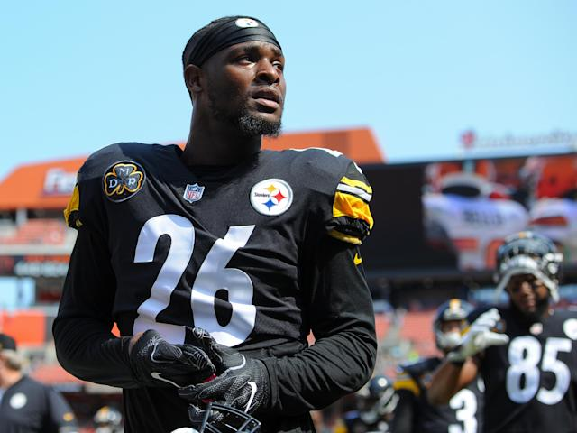 Le'Veon Bell chose to celebrate the end of his contract dispute with the Steelers by citing Martin Luther King Jr. (Getty)