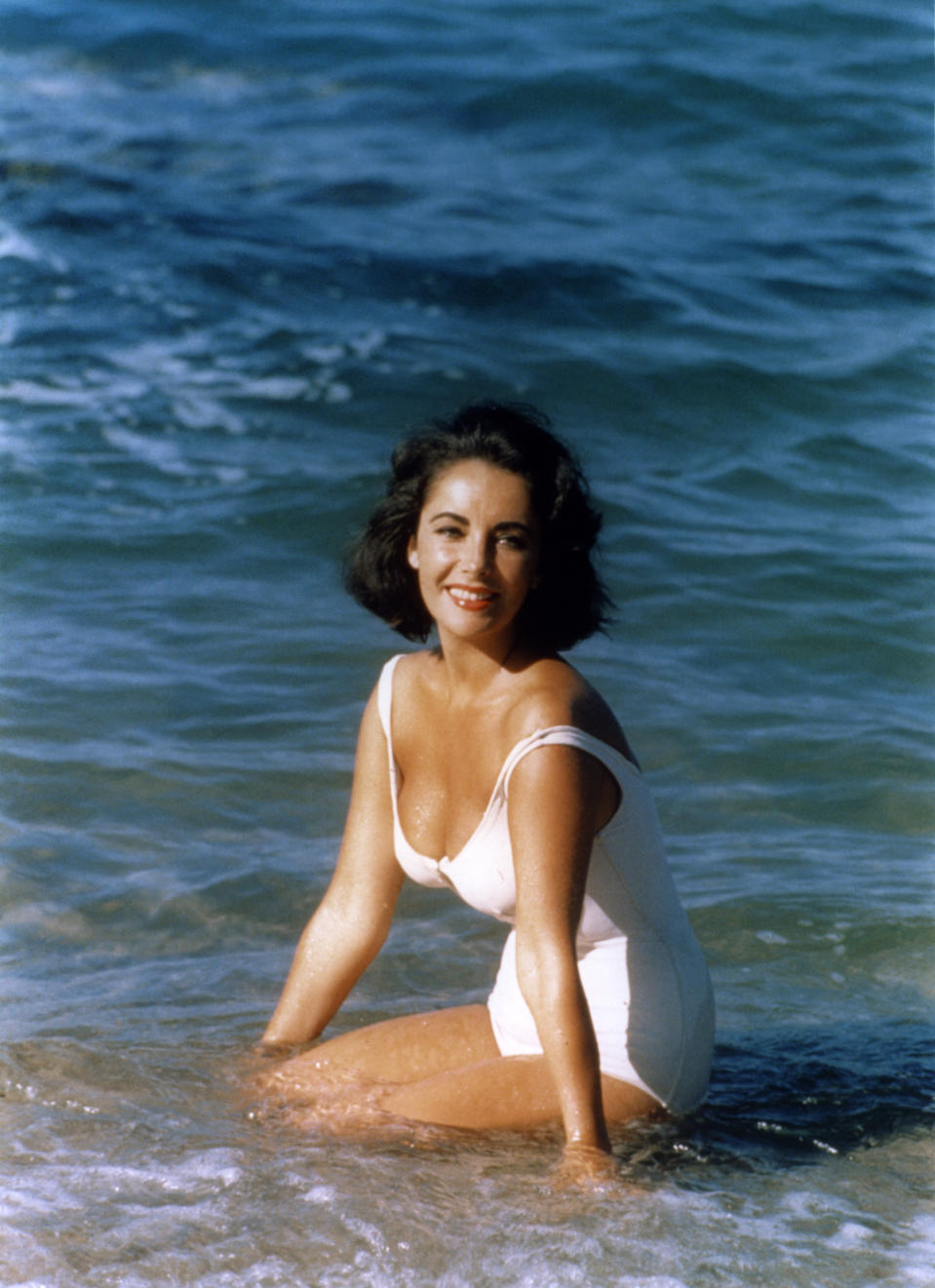 "Elizabeth Taylor en el set de ""Suddenly Last Summer"". (Photo by Sunset Boulevard/Corbis via Getty Images)"