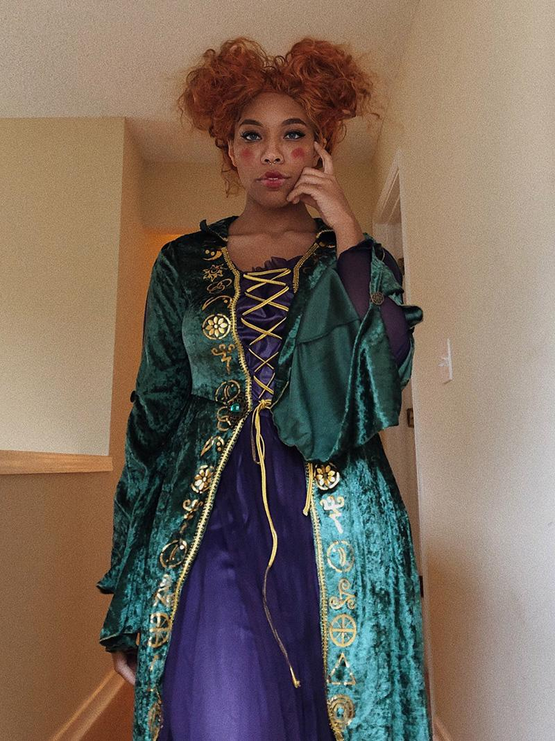 Kiera Please cosplaying Winifred Sanderson from