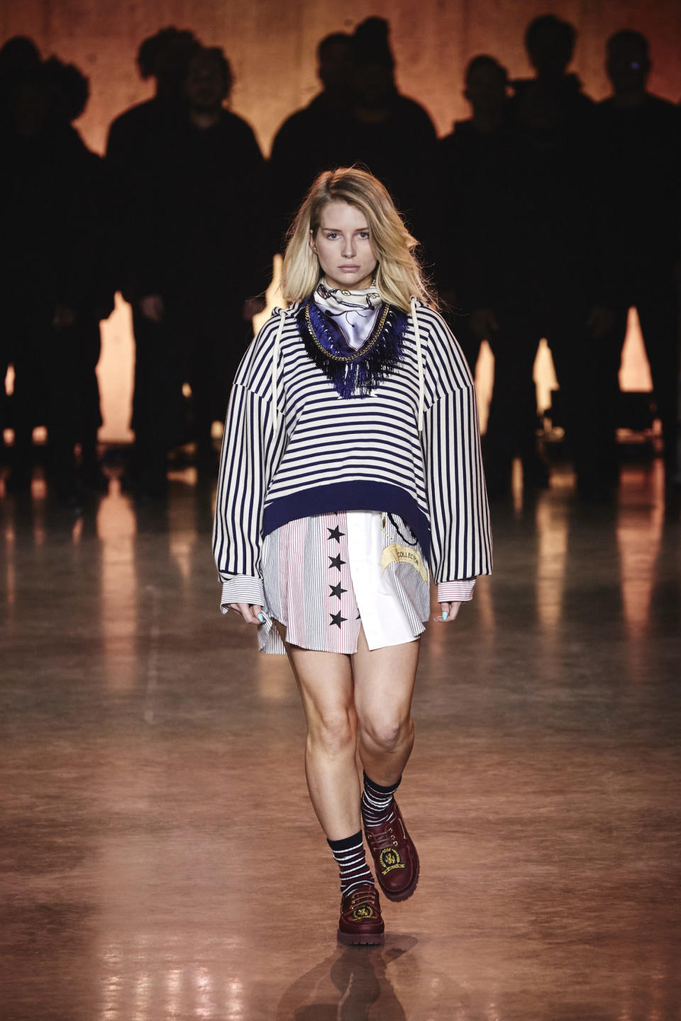 Lottie Moss walks the runway at the Tommy Hilfiger show during London Fashion Week. (Tommy Hilfiger)