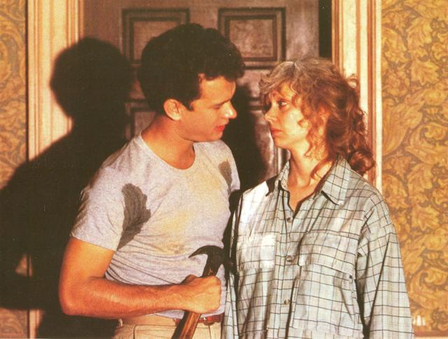 <em>The Money Pit </em>stars Tom Hanks and Shelley Long. (Photo: Mary Evans/Universal Pictures/Ronald Grant/Everett Collection)