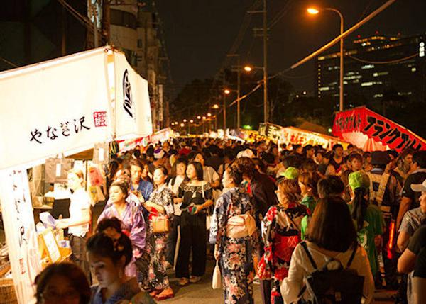 ▲It wouldn't be a proper festival without food stalls, right? (© Osaka Convention & Tourism Bureau)