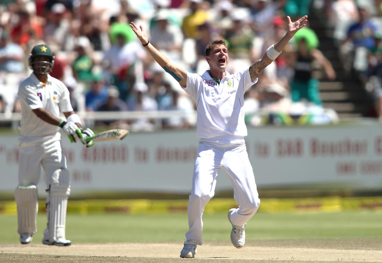 CAPE TOWN, SOUTH AFRICA - FEBRUARY 16:   Dale Steyn of South Africa appeals successfully for LBW to get Muhammad Hafeez of Pakistan during day 3 of the 2nd Sunfoil Test match between South Africa and Pakistan at Sahara Park Newlands on February 16, 2013 in Cape Town, South Africa. (Photo by Shaun Roy/Gallo Images/Getty Images)