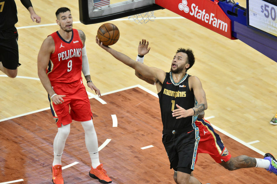 Memphis Grizzlies forward Kyle Anderson (1) shoots in the first half of an NBA basketball game against the New Orleans Pelicans, Monday, May 10, 2021, in Memphis, Tenn. (AP Photo/Brandon Dill)