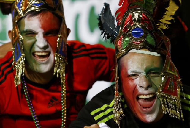 Mexico fans cheer ahead of their team's first round Copa America 2015 soccer match against Bolivia at Estadio Sausalito in Vina del Mar, Chile, June 12, 2015. REUTERS/Ivan Alvarado