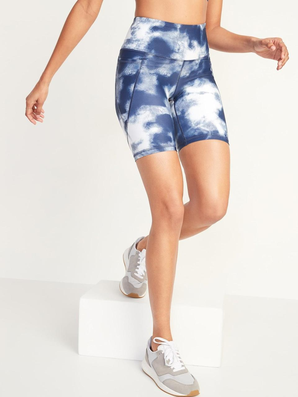 <p>We love that these <span>Old Navy High-Waisted Powersoft Side-Pocket Biker Shorts</span> ($27) come in a bunch of fun patterns and colors. Plus, they have pockets!</p>