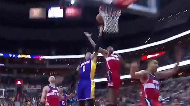 0324e2daf11b Bradley Beal Turned D Angelo Russell Away With A Devastating Chasedown Block