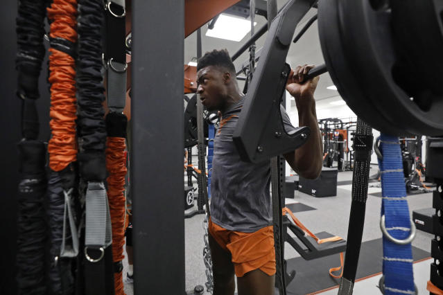 Texas Longhorns' Joseph Ossai works out Wednesday Sept. 4, 2019 in Austin, Tx. ( Photo by Edward A. Ornelas )