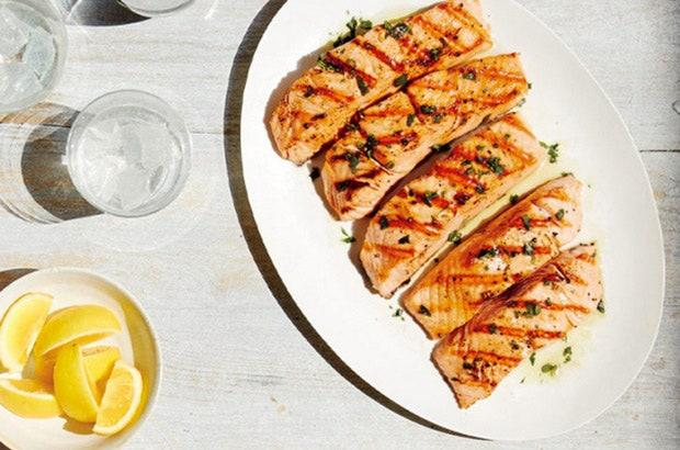 """<h1 class=""""title"""">salmon on a plate</h1><cite class=""""credit"""">Johnny Miller</cite>"""