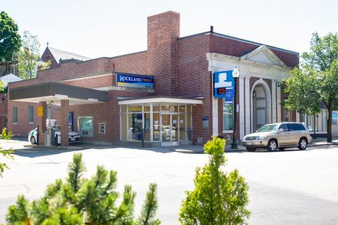 Rockland Trust Welcomes Blue Hills Bank Customers