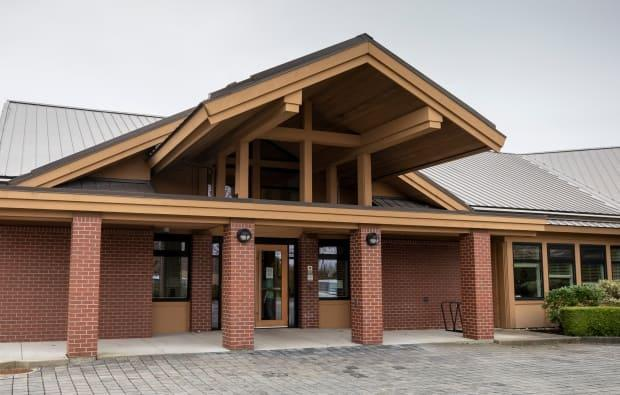 The Irene Thomas Hospice is pictured in Delta, B.C. The hospice closed in Feb. 2021 and is reopening April 15 under the authority of Fraser Health. (Ben Nelms/CBC - image credit)