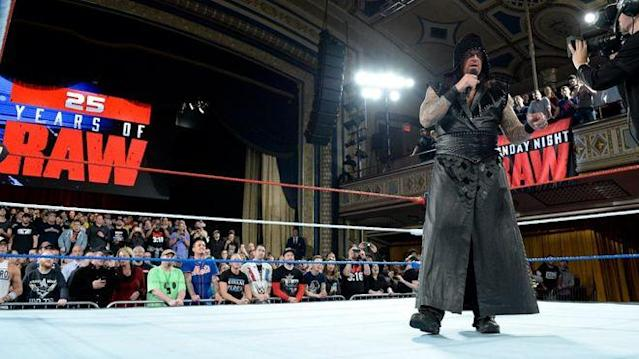 Der Undertaker kehrte bei WWE Monday Night RAW in den Wrestling-Ring zurück