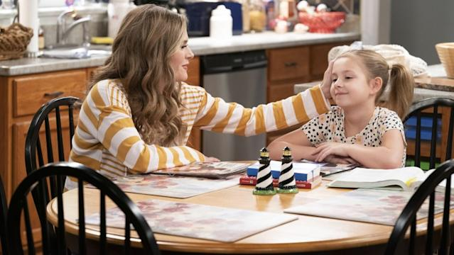 """Maggie Lawson, left, and Oakley Bull in the season finale of the family comedy """"Outmatched"""" on Fox. <span class=""""copyright"""">(Nicole Wilder-Shattuck / Fox)</span>"""