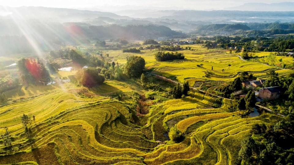 Former culture chief sounds alarm over China's vanishing traditional villages