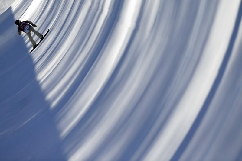 Kelly Clark of the United States trains for the women's snowboard halfpipe competition at the 2014 Winter Olympics, Saturday, Feb. 8, 2014, in Krasnaya Polyana, Russia. (AP Photo/Jae C. Hong)
