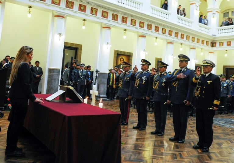 Anez swore in a new military high command