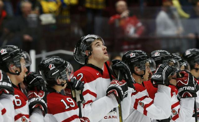 Canada's Frederik Gauthier stands after Canada's loss to Russia following their IIHF World Junior Championship bronze medal ice hockey game in Malmo, Sweden, January 5, 2014. REUTERS/Alexander Demianchuk (SWEDEN - Tags: SPORT ICE HOCKEY)