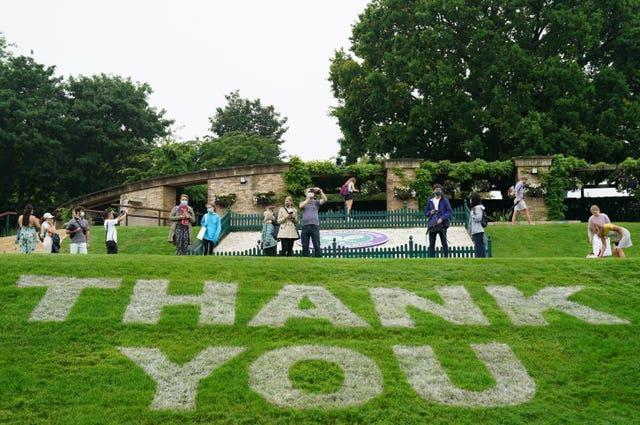 A 'thank you' sign on Murray Mound
