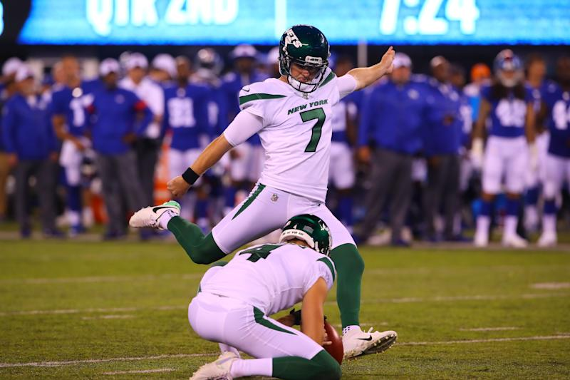 EAST RUTHERFORD, NJ - AUGUST 08: New York Jets kicker Chandler Catanzaro (7) during the National Football League pre-season football game between the New York Giants and the New York Jets on August 8, 2019 at MetLife Stadium in East Rutherford, NJ. (Photo by Rich Graessle/Icon Sportswire via Getty Images)