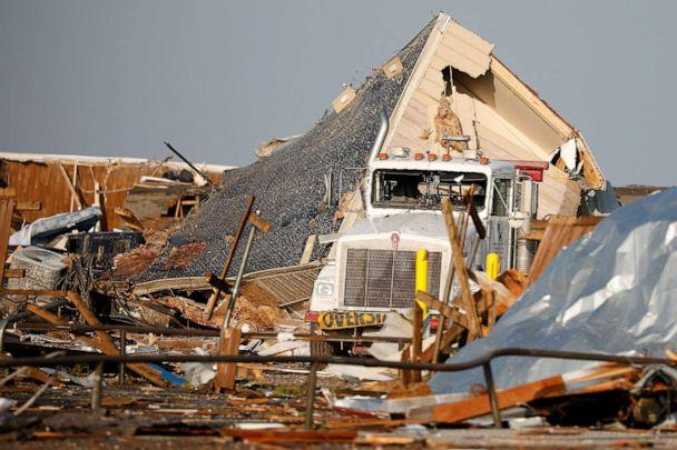 PHOTO:A mobile home lies on its side after a trailer park was partly destroyed by a tornado in El Reno, Okla., May 26, 2019. (Stringer/Reuters)