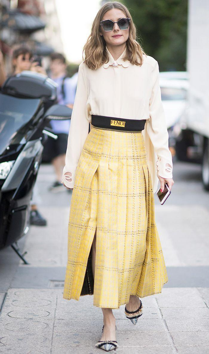 This is a professional look that isn't overly dressy. Think something you could definitely wear to the office (i.e., something on the conservative side) but would feel comfortable wearing to grab a work drink. What to Wear: An open-collar shirt or sweater with a pencil skirt or trousers. You can also wear a dress, as long as it's not provocative.