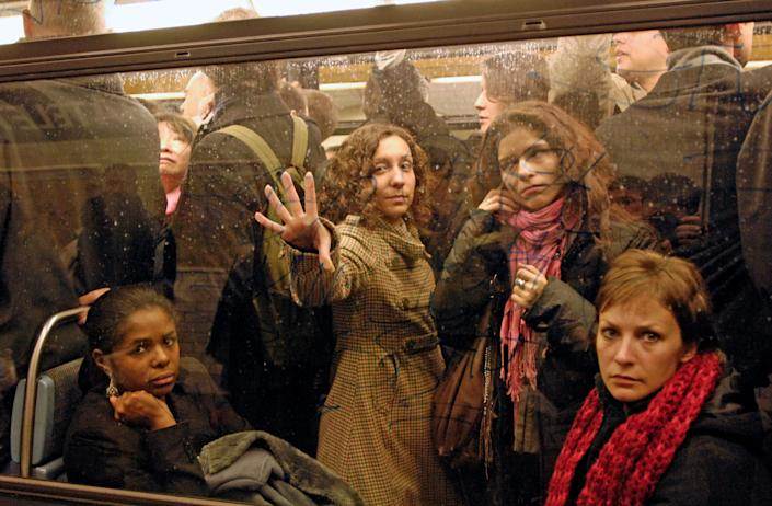 Commuters on the metro atChatelet station in Paris (Photo: Gonzalo Fuentes / Reuters)