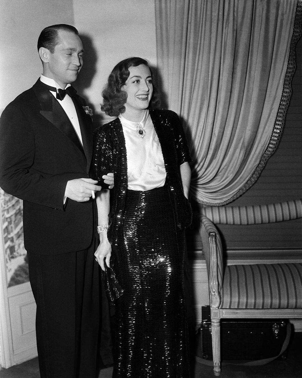 <p>Joan and her second husband divorced in 1939. </p>
