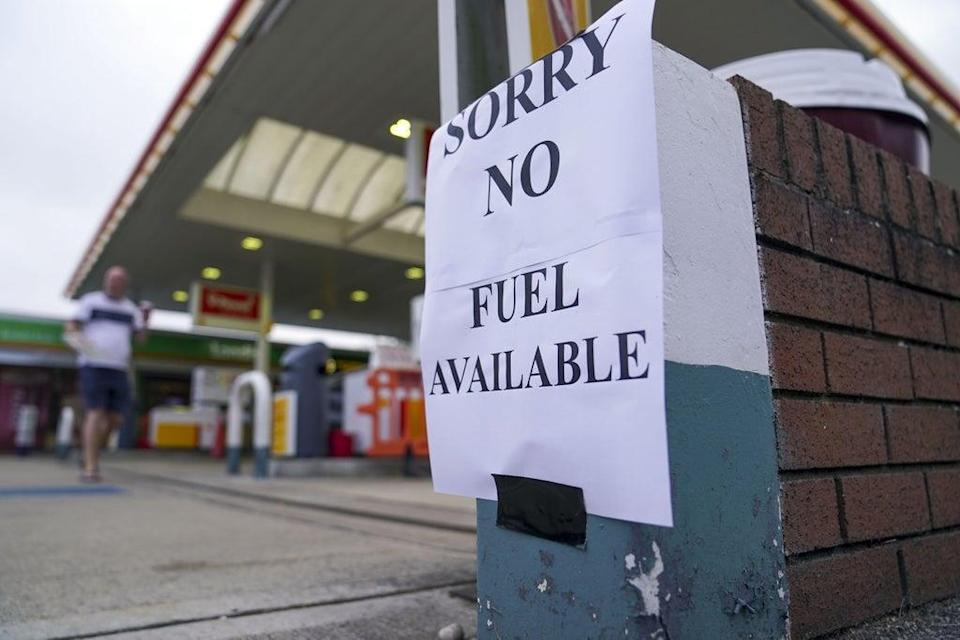 A Shell petrol station in Bracknell, Berkshire, with no fuel on Sunday September 26, 2021 (PA). (PA Wire)