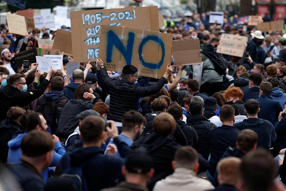 <p>Chelsea supporters demonstrate against the proposed European Super League </p> (AFP via Getty Images)