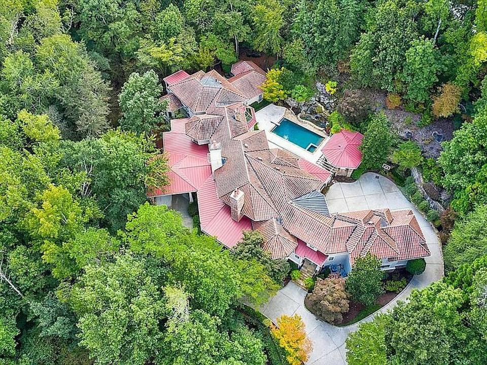 Comedian Jeff Foxworthy is selling his custom-built Georgia mansion for $2,999,000