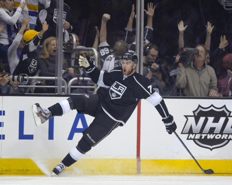 Los Angeles Kings center Jeff Carter celebrates his goal against the San Jose Sharks during the first period in Game 2 of a second-round NHL hockey Stanley Cup playoff series, Thursday, May 16, 2013, in Los Angeles. (AP Photo/Mark J. Terrill)